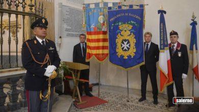 Photo of Paolo Pellegrin firma il Calendario della Polizia di Stato 2020