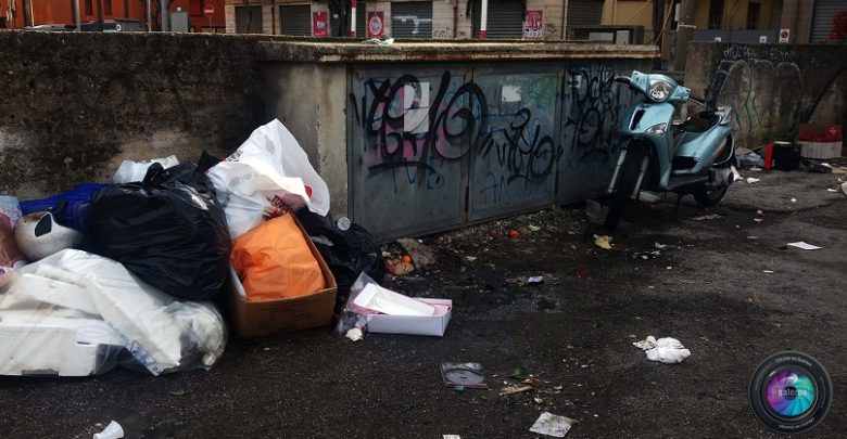 Salerno, immondizia nelle strade Copyright2019.Sevensalerno Fotoreporter G.Gambardella per Sevensalerno