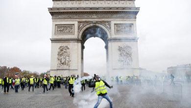Photo of Parigi: Gilet Gialli, no alle offerte del Governo, sabato di nuovo in piazza