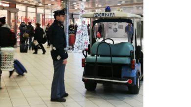 Photo of Salerno, sorpreso sul treno senza biglietto aggredisce i poliziotti, cittadino straniero arrestato dalla Polizia