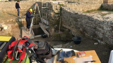 Photo of Paestum: riprende lo scavo della casa greca, dietro al Tempio di Nettuno