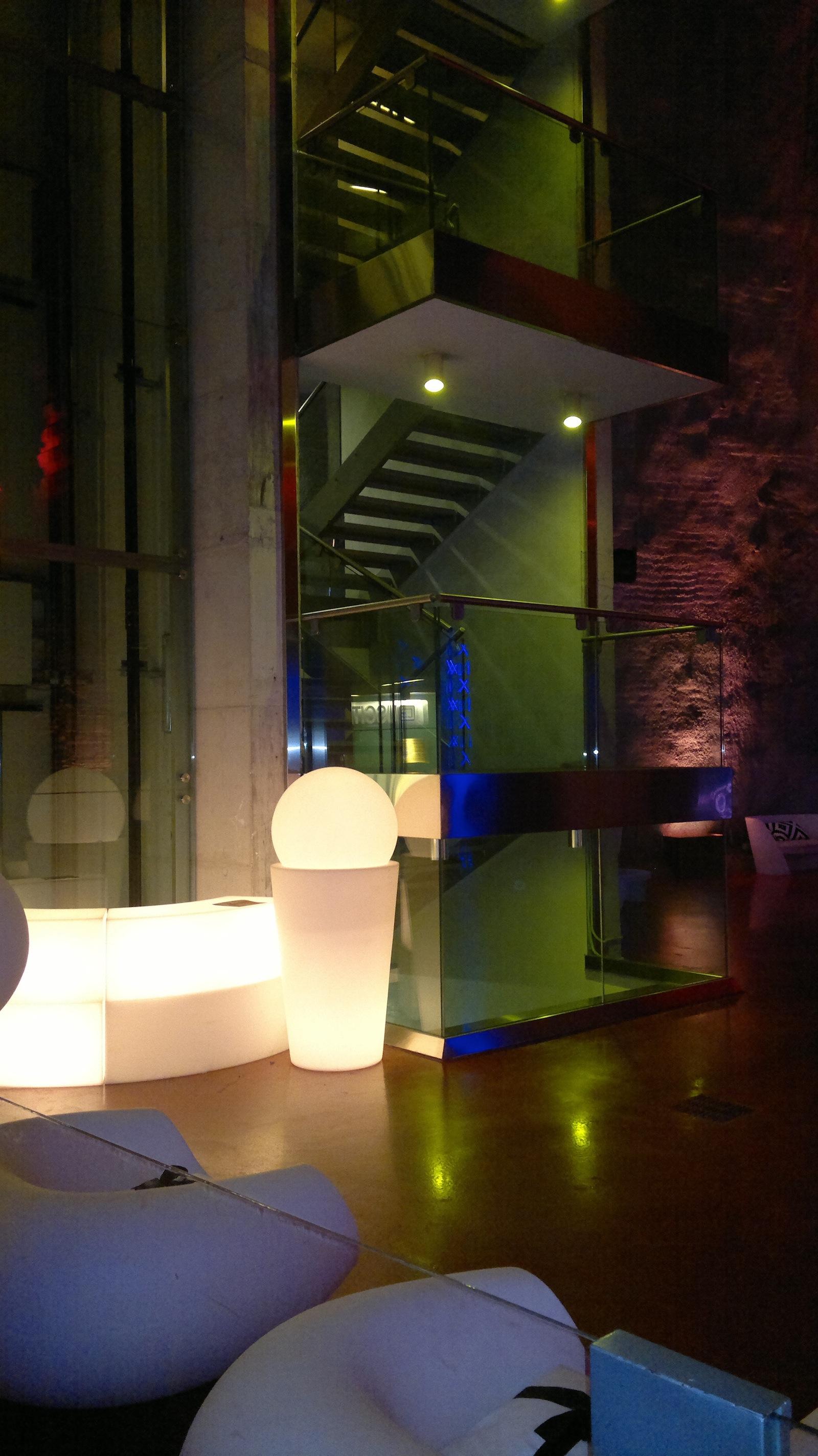 l'ascensore interno alla cavità