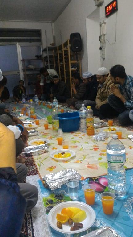 Alle sorelle e fratelli cristiani, noi musulmani che viviamo il periodo del Ramadan, vi salutiamo