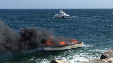 Photo of Barca in fiamme: la Guardia Costiera di Salerno salva diportista