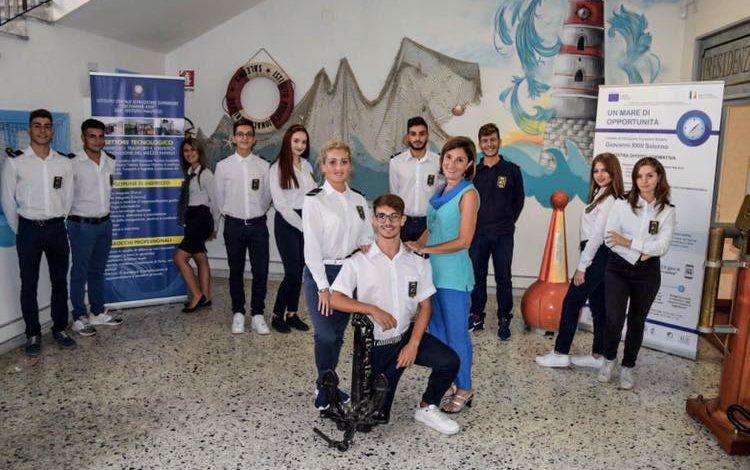 La Preside Daniela Novi e Studenti