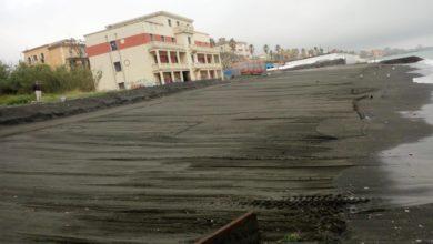 Photo of Salerno: iniziate le operazioni di pulizia e di spianamento delle spiagge libere cittadine