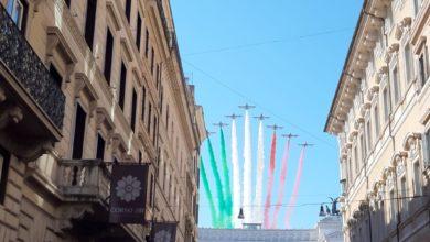 Photo of Roma: 74a Festa della Repubblica, il volo della pattuglia acrobatica