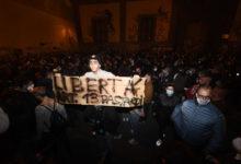 Photo of Covid-19, l'Italia in piazza contro i DPCM
