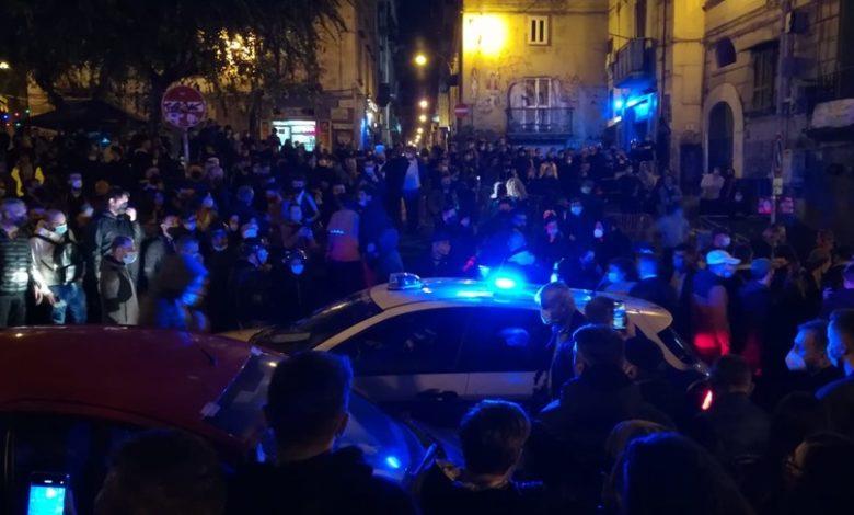 napoli-proteste-per-coprifuoco-covid-19 (agi)